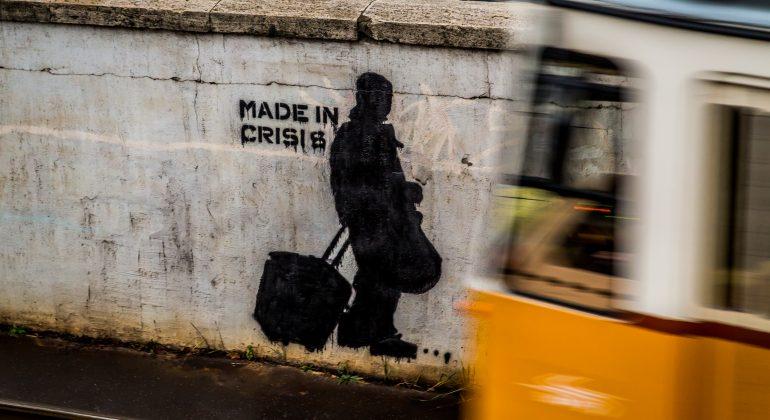 Crisi by robert metz-unsplash