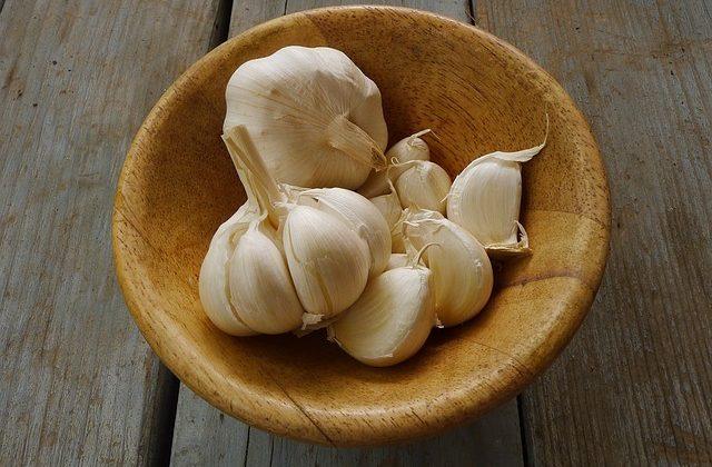 """Il gusto del Monferrato: la """"sòma d'aj"""" (soma d'aglio)"""