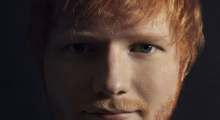 Ed Sheeran chiude il 2020 con un nuovo singolo intitolato 'Afterglow'