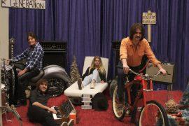 John Fogerty canta con la sua famiglia i classici del rock