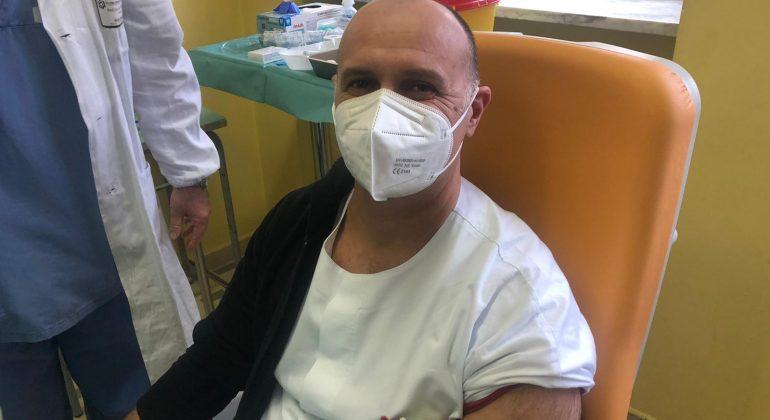 """Fondazione Gimbe: """"Con il vaccino -64% dei contagi tra i sanitari"""". I dati del Piemonte"""