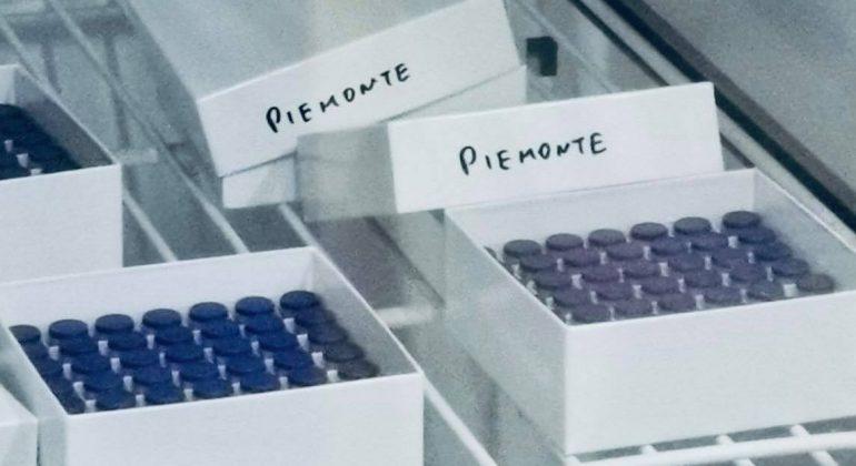 Vaccino covid: in Piemonte finora inoculate più di 355 mila dosi