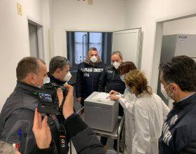 L'arrivo ad Alessandria delle prime dosi del vaccino anti Covid-19
