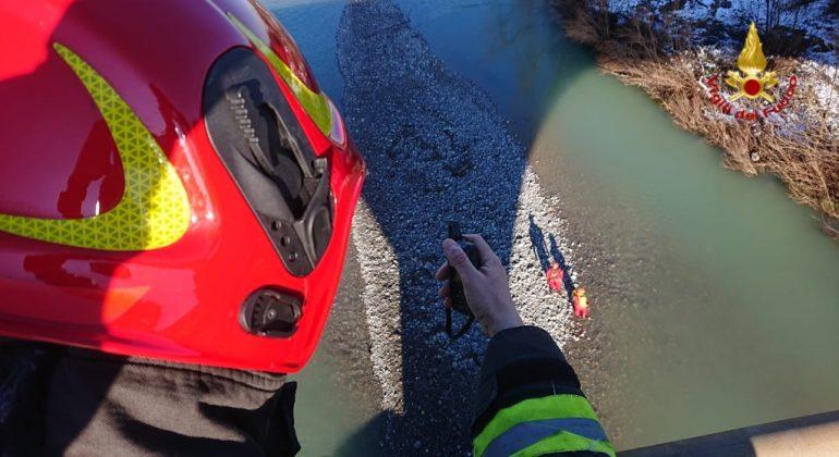 Persona in pericolo lungo lo Scrivia: in azione l'elicottero dei Vigili del Fuoco