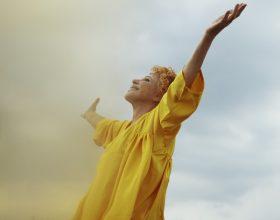"""Ornella Vanoni pubblica il nuovo singolo """"Un sorriso dentro al pianto"""""""