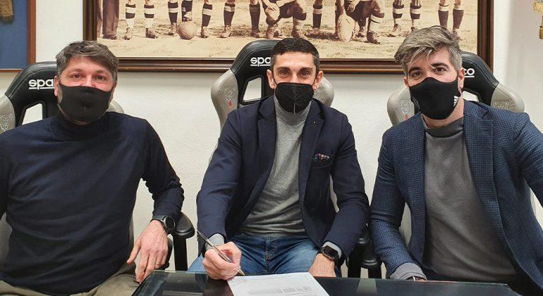 """Longo è il nuovo mister dei grigi: """"Subito al lavoro per diventare squadra"""""""