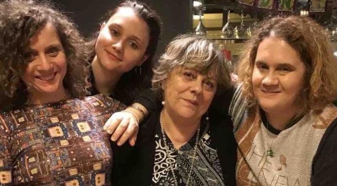 Immagine Giorgia, rimasta sola per colpa del covid: l'amica la chiama ogni sera e organizza una raccolta fondi