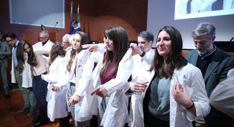 Tirocini universitari all'Ospedale di Alessandria: lunedì la cerimonia del camice bianco