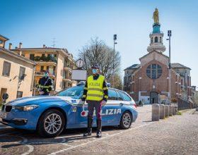 Forza il posto di blocco a Tortona e scatta l'inseguimento: denunciato 38enne