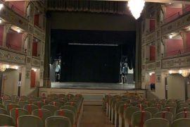"""Immagine Anche Valenza ha aderito a """"Facciamo luce sul teatro"""": illuminato il Sociale"""