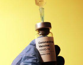 Vaccini Piemonte: da oggi via alle preadesioni di chi ha tra i 16 e i 29 anni