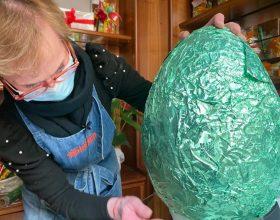 """Da venerdì il """"Coccodé Quiz"""": indovinate quante uova contiene il maxiuovo"""