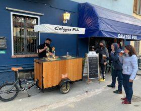 """Un carretto mobile per la birra """"spillata"""" a domicilio: l'originale idea del Calypso Pub"""
