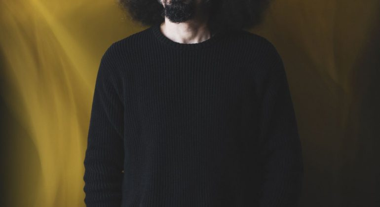 """Caparezza torna con un nuovo album, """"Exuvia"""", dal 7 maggio"""