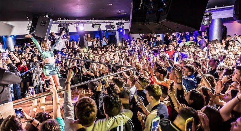 """Dopo 17 anni la discoteca Deniro chiude: """"Il Covid ci ha dato la mazzata definitiva"""""""