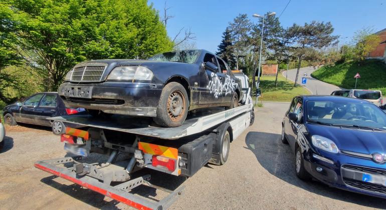 A Valenza altre auto rimosse: recuperata anche una Y10 rubata nel 2019