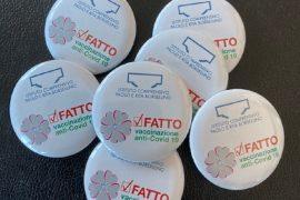 """""""Fatto"""": all'Istituto Comprensivo Valenza A una spilla indossata dai docenti vaccinati"""