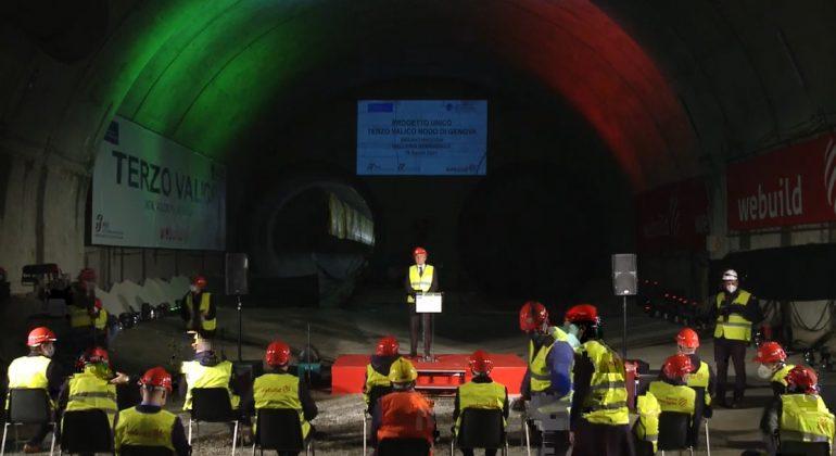 Terzo Valico: le reazioni del M5S dopo l'abbattimento dell'ultimo diaframma della galleria Serravalle