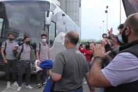 """Applausi e cori per l'Alessandria sconfitta a Como, i tifosi ci credono: """"La gente come noi non molla mai"""""""