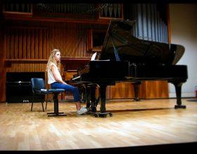 La pianista Ilaria Abruzzi apre la rassegna Dialoghi in Musica