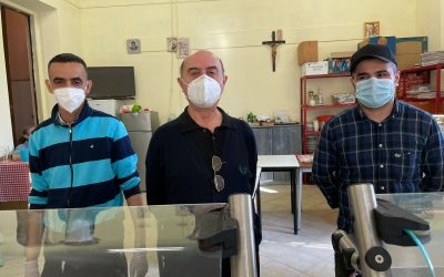 Ogni mattina colazione e pranzo a chi ha bisogno: al quartiere Cristo la missione di Don Claudio