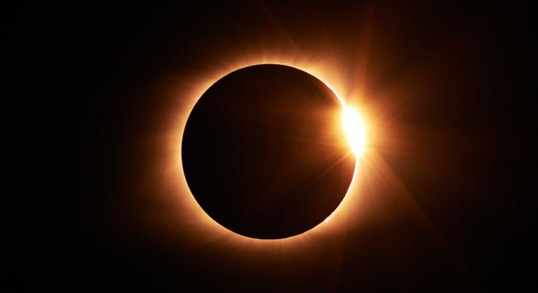 L'eclissi anulare di sole del 10 giugno 2021 sarà visibile anche in Piemonte