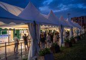 Sabato nuova open night a Torino per i giovani, con vaccini Pfizer e Moderna: via alle prenotazioni