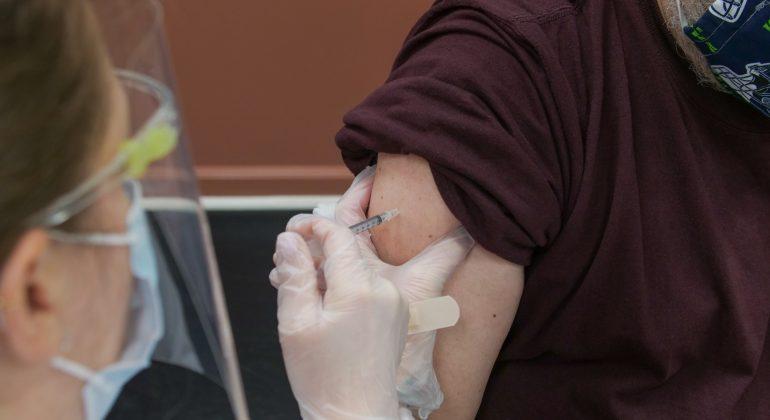 Effetto Green Pass obbligatorio: in aumento le prenotazioni per vaccinarsi
