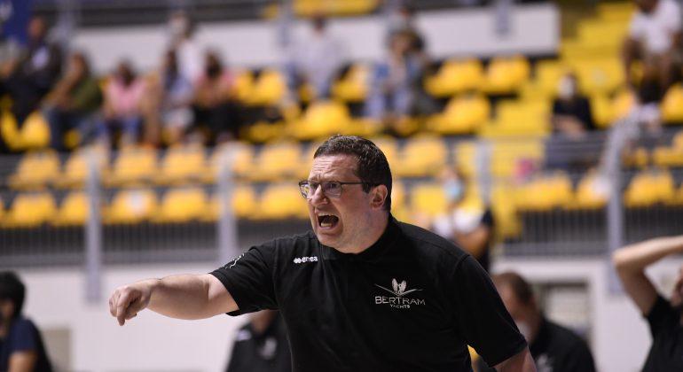 Il Derthona Basket rinnova per due anni il contratto a coach Ramondino