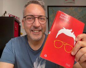 """Da """"Prof"""" social a scrittore: ecco il libro della star di Tik Tok"""