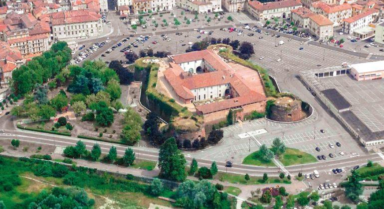 Al via i lavori di restauro della facciata del Castello di Casale