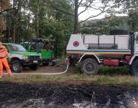Risolto dopo ore l'incendio nei boschi divampato a Morbello