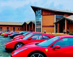 Una ventina di Ferrari domenica in provincia: successo del ritrovo itinerante nell'Acquese