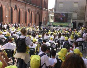 """A Fubine quasi mille bambini per la Giornata della Sostenibilità: """"Siete i missionari del riciclo"""""""