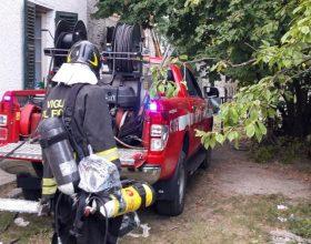 Incendio di una cascina a Stazzano: l'intervento è durato alcune ore