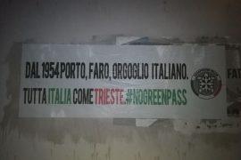 Anche a Casale striscione di Casapound a sostegno dei portuali di Trieste