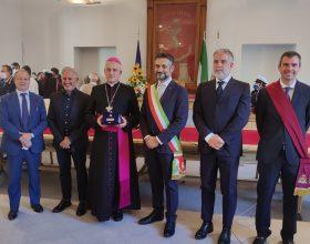 """Tortona consegna il Premio """"Grosso d'oro"""" al Vescovo emerito Vittorio Viola"""