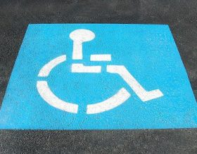 Acqui: ritirati 4 permessi per invalidi utilizzati anche se i titolari erano deceduti